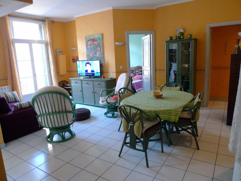 annonce vente appartement s te 34200 78 m 170 000 992736722337. Black Bedroom Furniture Sets. Home Design Ideas